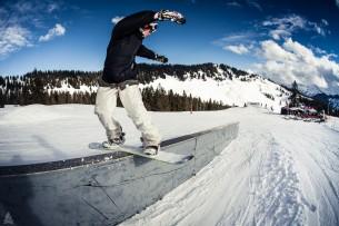 Am World Snowboarding Day sollte niemand bei 13grad daheim sitzen. Family Member Lukas und Ludwig visited Grasgehren Snowpark